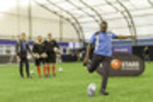 Leicester City legends swap football for rugby ball in challenge...