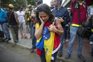 Venezuela: Eight electrocuted in Caracas looting amid violent protests
