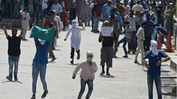 India minister asks states to protect Kashmir students