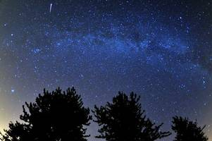 the lyrid meteor shower peaks this weekend and here's how to see it