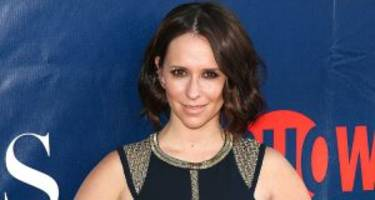 "jennifer love hewitt now: where is the ""ghost whisperer"" now?"