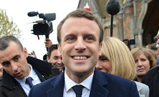 Early Polls Shows Macron In The Lead; Le Pen Second: Live Feed