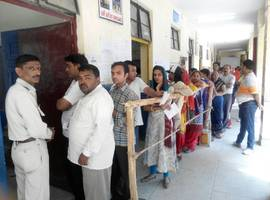 Delhi MCD Polls: 45 % voters exercise their right to franchise