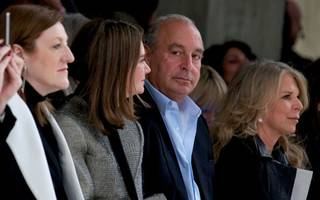Philip Green could still lose his knighthood