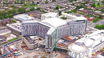 nhs director sorry for delays at glasgow hospital