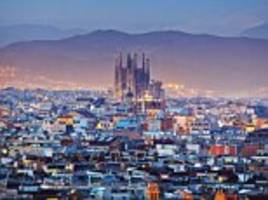 Barcelona cracks down on tourism and bans new hotels