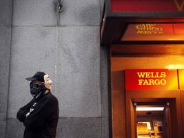 'Wells Fargo has been out of order for years!': Wells Fargo's shareholder meeting gets rowdy (WFC)