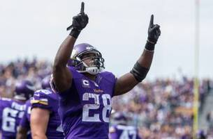 vikings say goodbye to peterson after 10 seasons