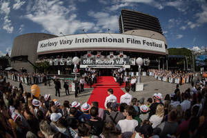 karlovy vary film festival to salute ken loach, james newton howard