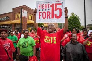 bernie to introduce $15 federal minimum wage legislation on wednesday