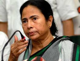 Mamata Banerjee asks West Bengal people not to support BJP<br/>