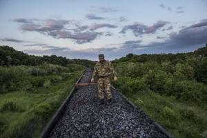 Ukraine Cuts Power to Rebel Areas At Russian Border