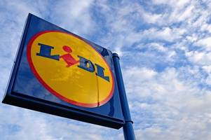Hamilton knife man pinched chocolate and chewing gum from Lidl store