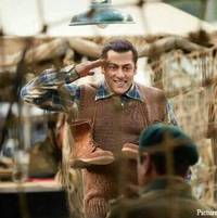 Tubelight Unseen Pictures: Salman Khan's Interesting Looks Leave Us Wanting For More!