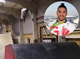 team gb's louis smith falls trying to land skate back-flip