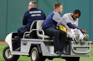 Watch: Teoscar Hernandez carted off the field after scary collision with Jose Altuve