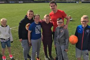 aberdeen star kenny mclean celebrates cup semi-final win with trip to see cambuslang rangers