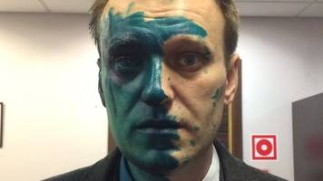 russia opposition leader alexei navalny attacked with brilliant green dye