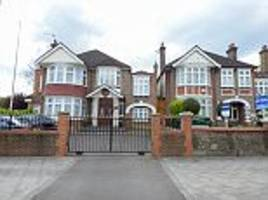 House next to North Korean embassy in London up for rent
