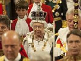 the queen will 'dress down' the state opening