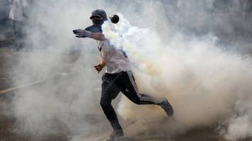 Venezuela to withdraw from OAS as deadly protests continue