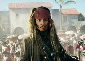 Johnny Depp Surprises Pirates of the Caribbean Riders at Disneyland as Captain Jack Sparrow