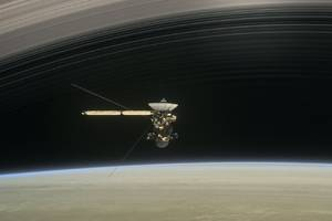 NASA's Cassini spacecraft has successfully traveled between Saturn and its rings