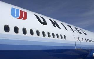 united airlines will now offer passengers $10,000 to give up their seat