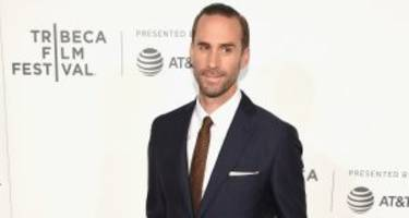 "joseph fiennes wiki: 5 facts to know about ""the handmaid's tale"" cast member"