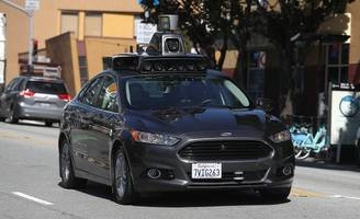 On the Path to Autonomous Vehicles, Police Officers Get Left Behind
