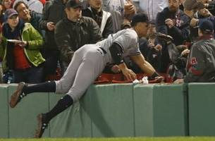 Yankees' Aaron Judge hits tape-measure homer, makes acrobatic catch in Fenway debut