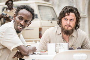 'dabka' tribeca review: a scraggly evan peters teams up with barkhad abdi in somalia