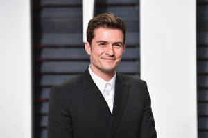 orlando bloom apologizes after being branded racist over 'pikey' comment