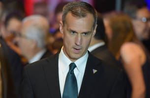 corey lewandowski promises meetings with trump officials to foreign clients