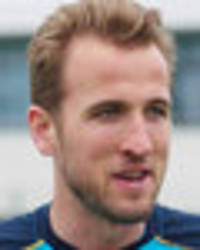 spurs v arsenal: kane mercilessly trolls henry ahead of huge north london derby clash