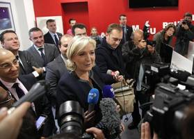 marine le pen aide steps down after questioning holocaust remarks revealed