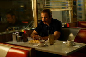 'chuck' review: liev scheriber transforms himself into the boxer who would inspire 'rocky'
