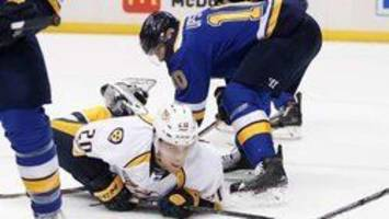 tarasenko scores twice as blues beat predators