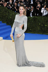 platinum jewelry dominates the red carpet at met gala