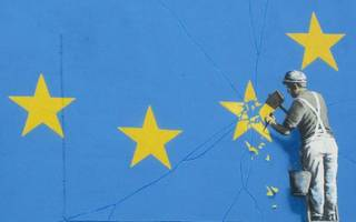 banksy just took on brexit with dover street art
