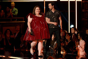 'this is us' star chrissy metz claps back at body shamers over mtv awards dress