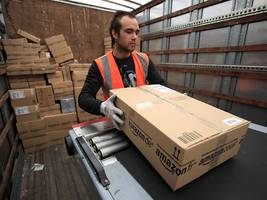 amazon strikes back again at walmart's free 2-day shipping offer (wmt)