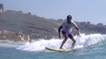 syrian refugee discovers surfing in lebanon