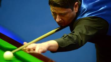 snooker star matthew stevens' cue stolen from car in llanelli
