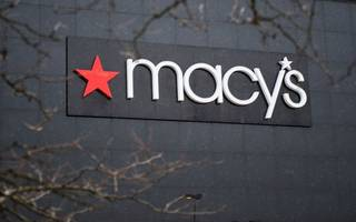 macy's and kohl's struggle with mall downturn