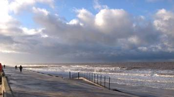 man's body found on prestatyn beach