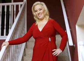 mama june feels as hot as pamela anderson in sexy 'baywatch'-themed photoshoot