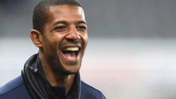 jermaine beckford: bury sign ex-preston striker on two-year contract