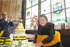Hull's Bee Lady Jean Bishop celebrates 95th birthday with amazing...