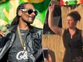snoop dogg overshadowed by his sign language interpreter